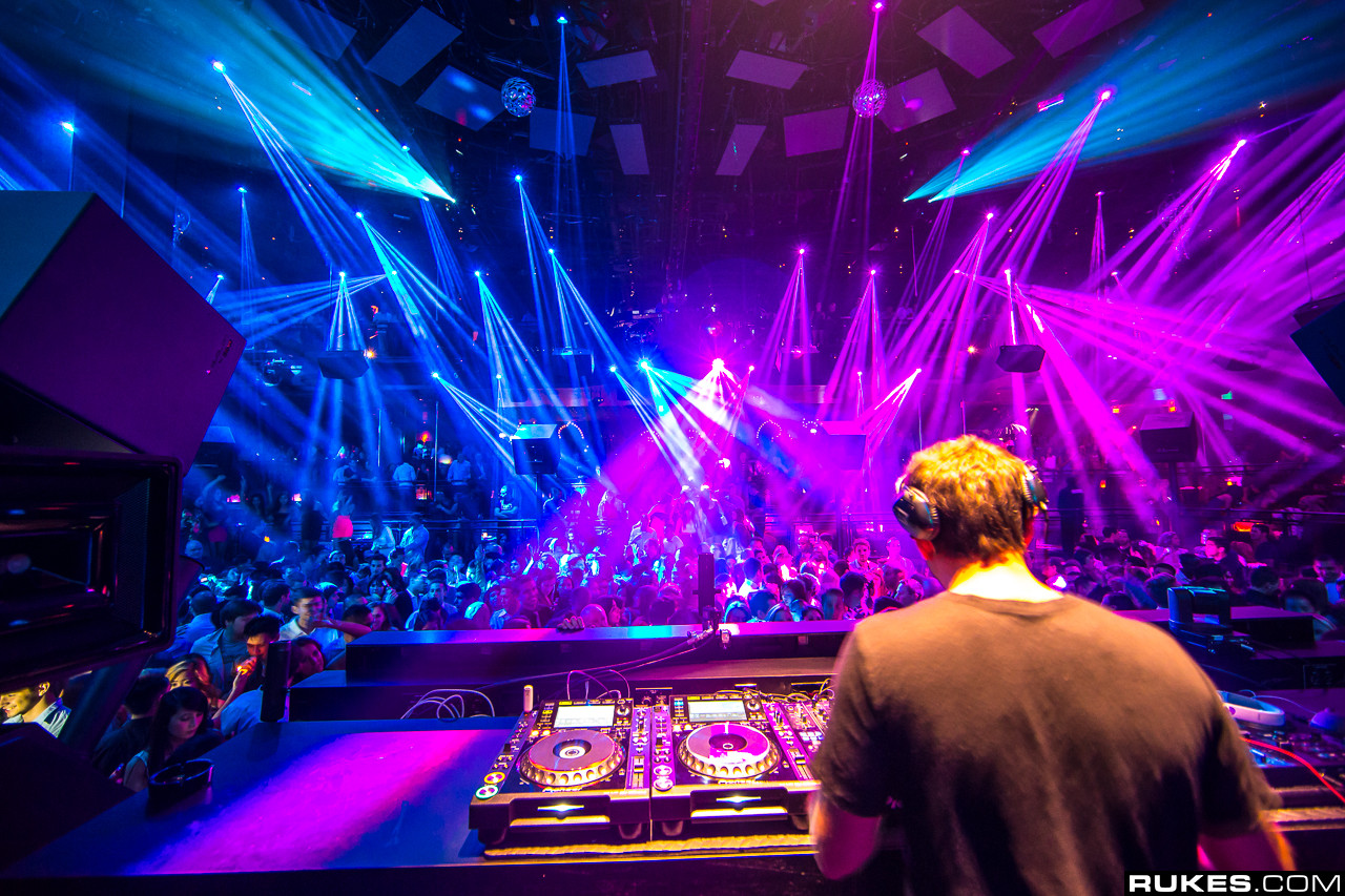 Light 007 - Licht nightclub ...